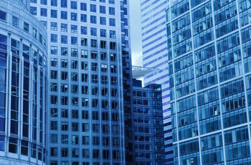 Kjøpe eiendomsaksjer uten kurtasje anbefalinger analyser tips investere eiendom aksje